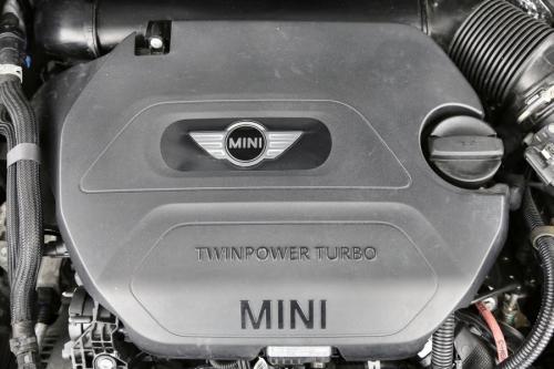 MINI Cooper D Clubman 2.0d + GPS + AIRCO + PDC + ALU 16
