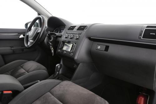 VOLKSWAGEN Touran HIGHLINE BMT 1.6 TDI + A/T + GPS + PANO DAK + CRUISE + ALU 16 + 7 PL.