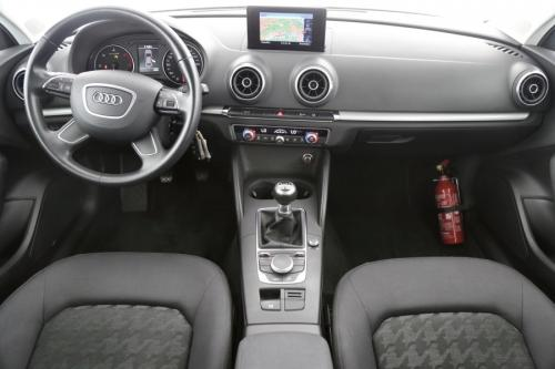 AUDI A3 LIMOUSINE ATTRACTION 1.6 TDI + GPS + AIRCO + PDC + ALU 16