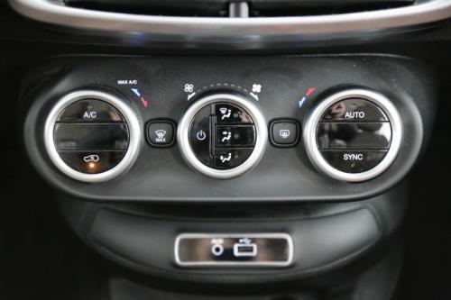 FIAT 500X LOUNGE 1.6 MULTIJET + GPS + LEDER + CAMERA + CRUISE + PDC + ALU 18