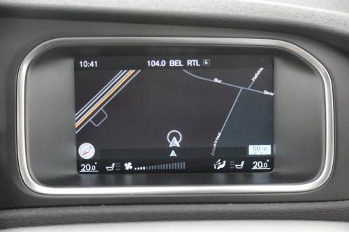 VOLVO V40 CROSS COUNTRY  Momentum 1.6D2 + GPS + AIRCO + CRUISE + PDC + ALU 16 + PANO DAK