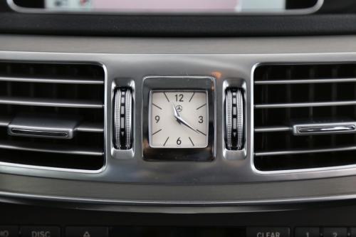 MERCEDES-BENZ E 300 Hybrid BlueTEC A + GPS + LEDER + AIRCO + CRUISE + PDC + ALU 16