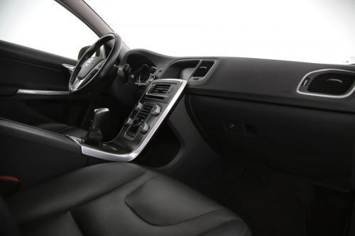 VOLVO S60 Summum 2.0D4 + GPS + LEDER + AIRCO + CRUISE + CAMERA + ALU 17 + XENON
