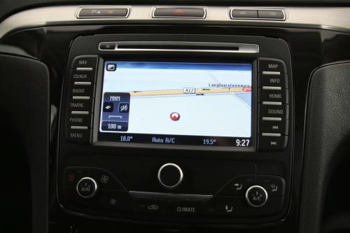FORD S-Max Titanium Style 2.0 TDCI + GPS + LEDER + AIRCO + CRUISE + PDC + TREKHAAK + ALU 17