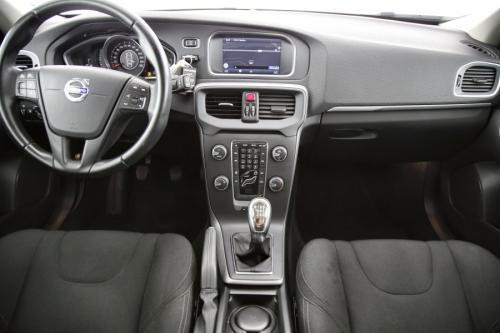 VOLVO V40 Kinetic 1.6D2 + GPS + AIRCO + CRUISE + PDC + ALU 16