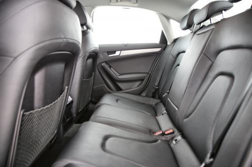 AUDI A4 Ultra 2.0 TDI + GPS + LEDER + AIRCO + CRUISE + PDC + ALU 16 + XENON