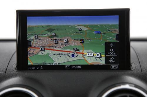 AUDI A3 Berline 1.6 TDI  + GPS + AIRCO + CRUISE + PDC + ALU 16 + XENON