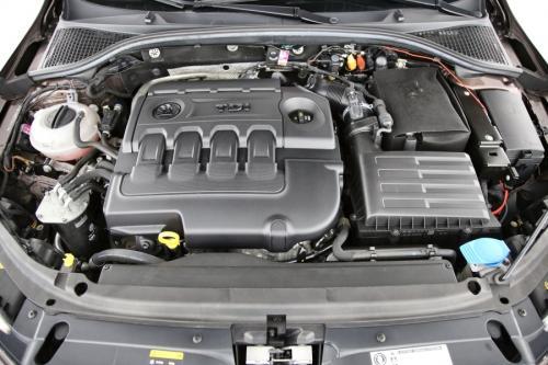 SKODA Octavia Combi Ambition GreenLine 1.6TDI + GPS + AIRCO + CRUISE + PDC + CAMERA + ALU 16 + XENON