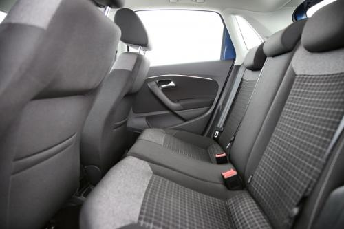 VOLKSWAGEN Polo Comfortline 1.4 TDI BMT + GPS + AIRCO + CRUISE + PDC