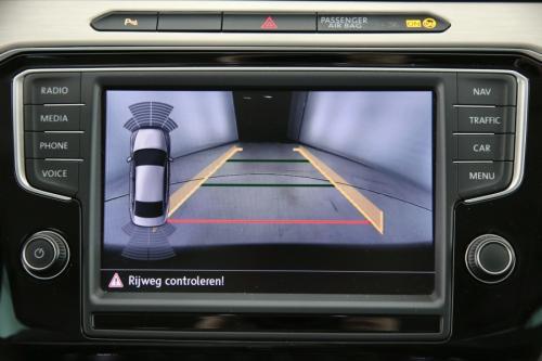 VOLKSWAGEN Passat Highline 2.0 TDI DSG + GPS +  AIRCO + CRUISE + PDC + CAMERA + ALU 18 + XENON