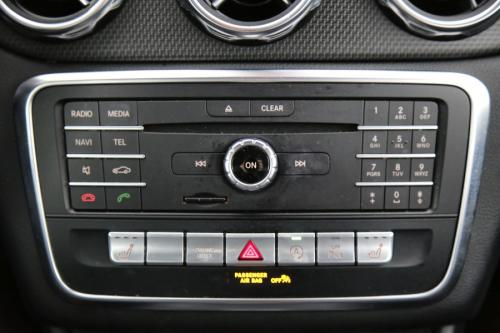 MERCEDES-BENZ GLA 200 Style i 7G-DCT+ GPS + LEDER + AIRCO + CRUISE + PDC + CAMERA + ALU 17