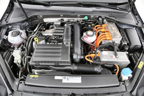 VOLKSWAGEN Golf GTE Hybrid  1.4TSI DSG + GPS + AIRCO + CRUISE + PDC + ALU 16 + XENON