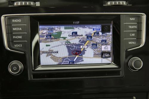 VOLKSWAGEN Golf Variant Highline BMT 1.6 TDI DSG + GPS + AIRCO + CRUISE + PDC + ALU16 + TREKHAAK