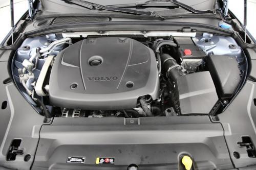 VOLVO V90 Cross Country Pro 2.0T5 AWD GearTronic + GPS + LEDER + CRUISE + PDC + CAMERA + PANO DAK + ALU 19 + TREKHAAK