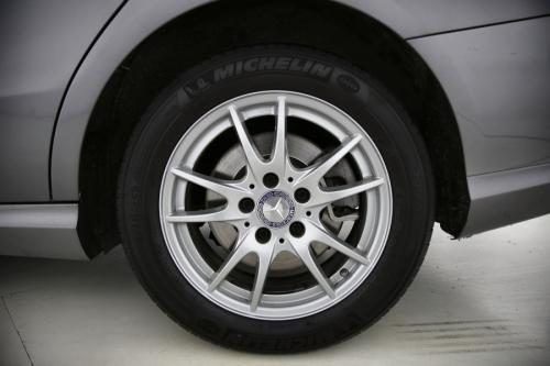 MERCEDES-BENZ CLA 200 Shooting Brake d 7G-DCT + GPS + AIRCO + CRUISE + PDC + CAMERA + ALU 16