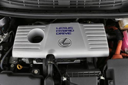 LEXUS CT 200h Privilege Line 1.8i + A/T + GPS + LEDER + AIRCI + CRUISE + PDC + CAMERA + ALU + XENON