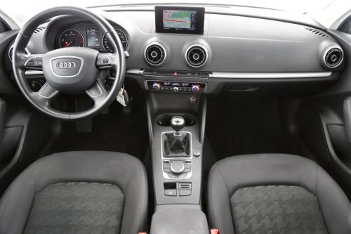 AUDI A3 Attraction 1.6 TDI Ultra + GPS + AIRCO + PDC + ALU 16 + TREKHAAK