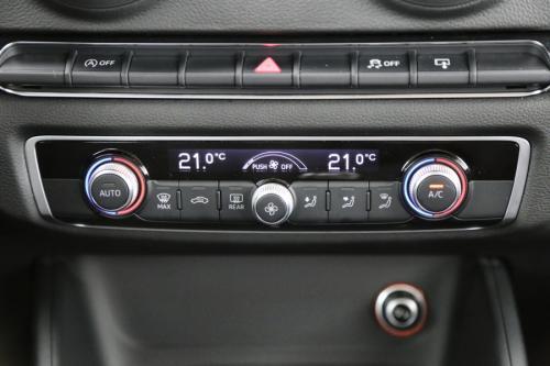AUDI A3 Attraction 1.6 TDI Ultra + GPS + AIRCO + PDC + ALU 16 + TREKHAAK
