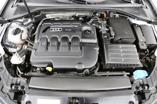 AUDI A3 Sportback 1.6 TDI + GPS + AIRCO + CRUISE + PDC + ALU 16 + XENON
