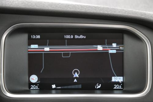 VOLVO V40 Summum 2.0D2 + GPS + LEDER + AIRCO + CRUISE + PDC + ALU 17