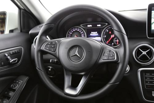 MERCEDES-BENZ A 180 BlueEFFICIENCY Edition d + GPS + AIRCO + CRUISE + PDC + ALU