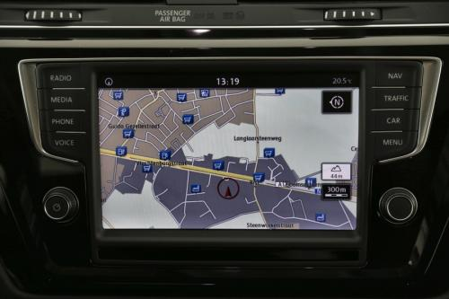 VOLKSWAGEN Touran Highline 1.6 TDI BMT + GPS + AIRCO + CRUISE + PDC + ALU 16 + TREKHAAK