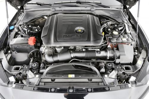 JAGUAR XE R-Sport E-Performance  2.0d + A/T + GPS + AIRCO + PDC + ALU 17