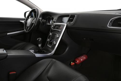 VOLVO V60 Kinetic 1.6D2 + GPS + LEDER + CRUISE + PDC + ALU 16