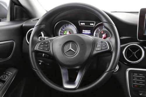 MERCEDES-BENZ CLA 180 BlueEfficiency Edition i + GPS + LEDER + CAMERA + CRUISE + PDC