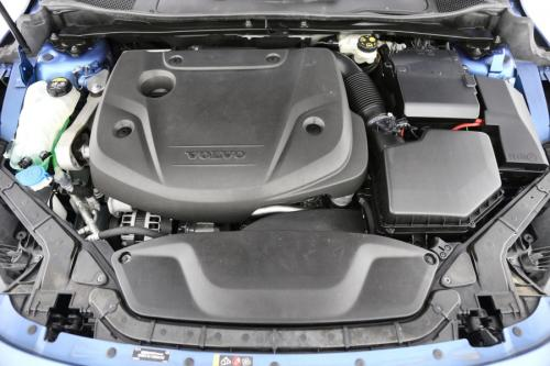 VOLVO V40 R-Design 2.0D3 GearTronic + GPS + CRUISE + PDC + ALU 16