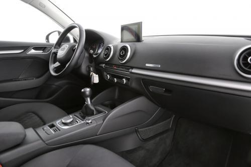 AUDI A3 Sportback  2.0 TDI Attraction  + GPS + PDC + ALU 16 + CRUISE
