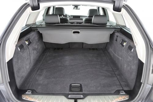 BMW 520 Touring d + GPS + LEDER + CAMERA + PDC + TREKHAAK + XENON + ALU 17