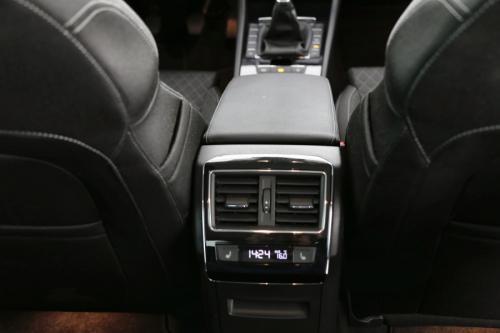 SKODA Superb Style 1.6 TDI + GPS + CAMERA + PDC + CRUISE  + ALU 17 + XENON