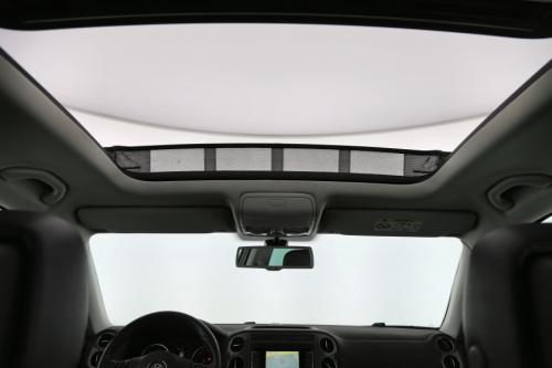VOLKSWAGEN Tiguan Sport  Style BMT 2.0 TDi + GPS + LEDER + CAMERA + PANO DAK + PDC + CRUISE + ALU 17