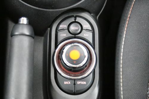 MINI Cooper 1.5i + A/T + GPS +PDC + CRUISE + AIRCO + ALU