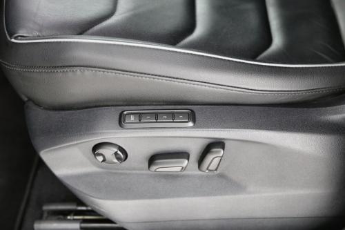 VOLKSWAGEN Tiguan BMT HighLine 2.0 TDI 4Motion DSG + GPS + LEDER + CAMERA + PDC + ALU 18