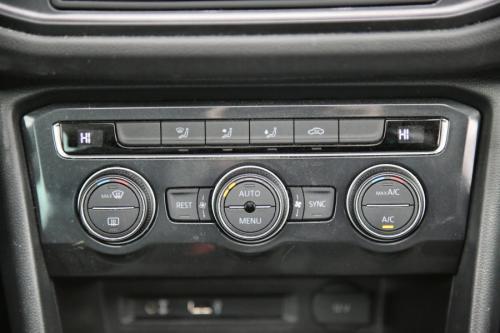 VOLKSWAGEN Tiguan ComfortLine 2.0 TDI BMT + GPS + PDC + PANO DAK + CRUISE + AIRCO + ALU 17