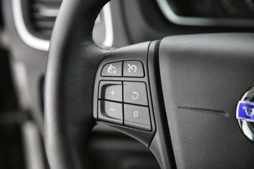 VOLVO V40 Kinetic 2.0D2 + GPS + PDC + CRUISE + ALU