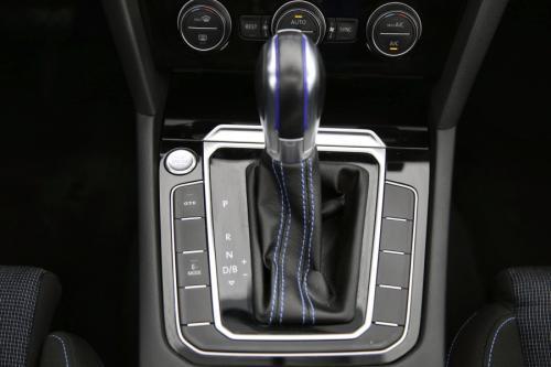 VOLKSWAGEN Passat Variant GTE 1.4TSI DSG + GPS + CAMERA + PDC + PANO DAK + CRUISE + AIRCO + ALU 17