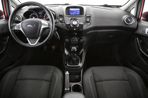 FORD Fiesta Titanium 1.0i + GPS + PDC + AIRCO + ALU 16