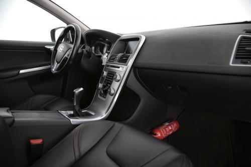 VOLVO XC60 Summum 2.0D3 + GPS + LEDER + CAMERA + PANO DAK + PDC + CRUISE + ALU
