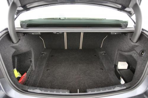 BMW 320 d + GPS + PDC + CRUISE + TREKHAAK + AIRCO + ALU 17