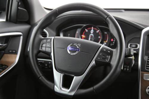 VOLVO XC60 Luxury Edition 2.0D3 GearTronic + GPS + LEDER + CAMERA + PDC + CRUISE + ALU
