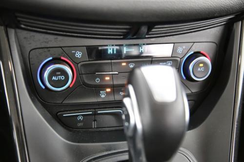 FORD Kuga Titanium 1.5 EcoBoost AWD + A/T + GPS + CRUISE + AIRCO + ALU 17