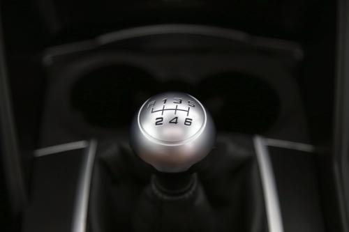 ALFA ROMEO Giulia 2.2JTDm + GPS + LEDER + PDC + PANO DAK + CRUISE + TREKHAAK + ALU 17