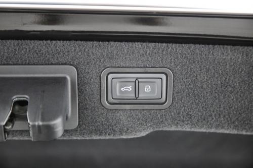 AUDI A8 Quattro 3.0 TDI TipTronic 4p LWB + GPS + LEDER + CAMERA + PDC + ALU 18 + XENON