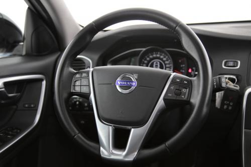VOLVO V60 CROSS COUNTRY MOMENTUM 2.0 D3 + GPS + PDC + CRUISE + AIRCO + ALU 17