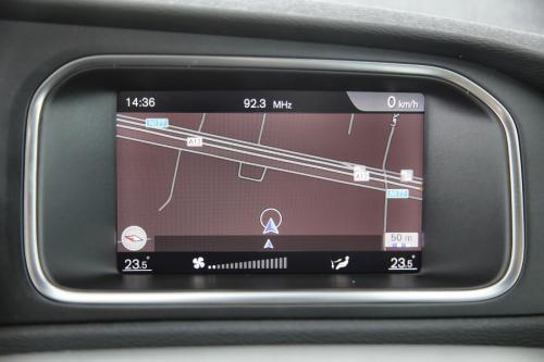 VOLVO V40 CROSS COUNTRY 2.0D2 + GPS + PDC + CRUISE + AIRCO + ALU 16