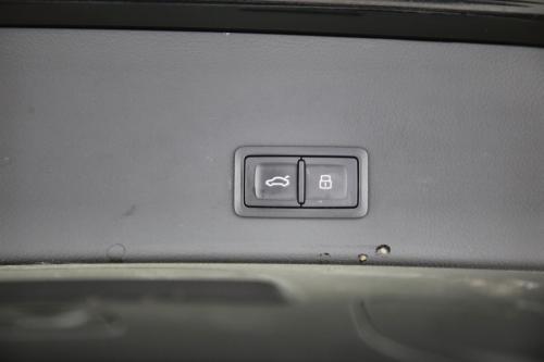 AUDI A6 AVANT 2.0 TDI ULTRA + GPS + LEDER + CAMERA + PDC + CRUISE + ALU 17 + XENON
