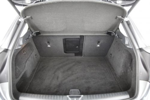 MERCEDES-BENZ GLA 200 URBAN DA 7G-DCT + GPS + LEDER + PDC + PANO DAK + CRUISE + XENON + ALU 18